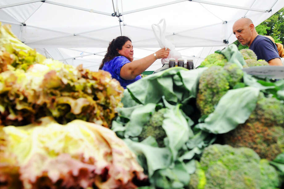 """New Canaan Farmers Market's """"Summer Farmers Market"""" season is now in full swing. Head downSaturdayto the Old Center School parking lot for your pick of local crops.Find out more:http://bit.ly/1N3rO2h(Photo:Keelin Daly)"""