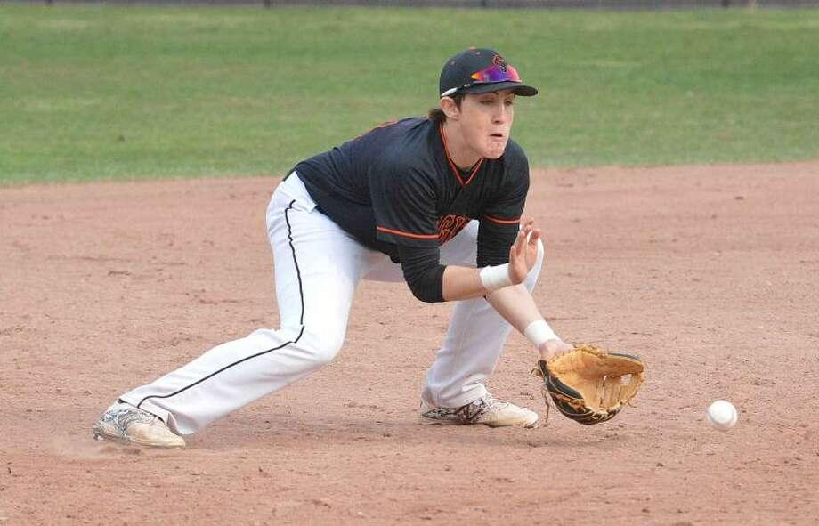 Hour Photo/Alex von Kleydorff Stamfords #13 at Third base vs Norwalk