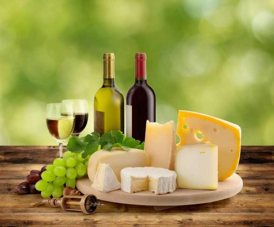 Delicious Wine and Cheese Pairing Suggestions