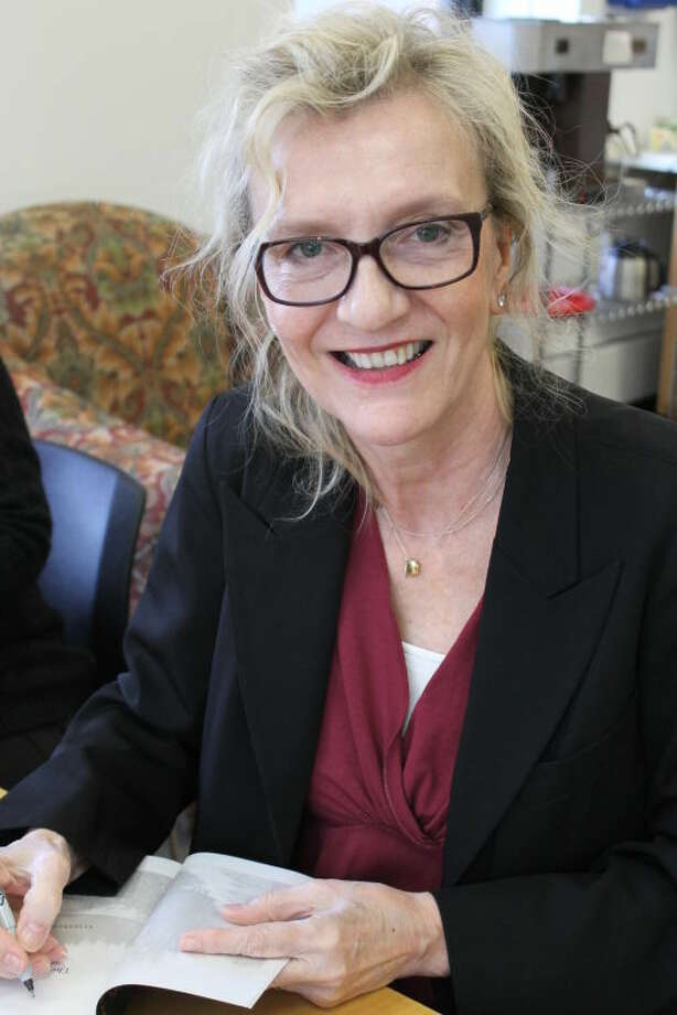 """Pulitzer Prize-winning author Elizabeth Strout was a guest of the Wilton Library last Thursday evening. Strout discussed and answered questions on her most recent novel, """"The Burgess Boys"""", as well as her past works and writing techniques"""