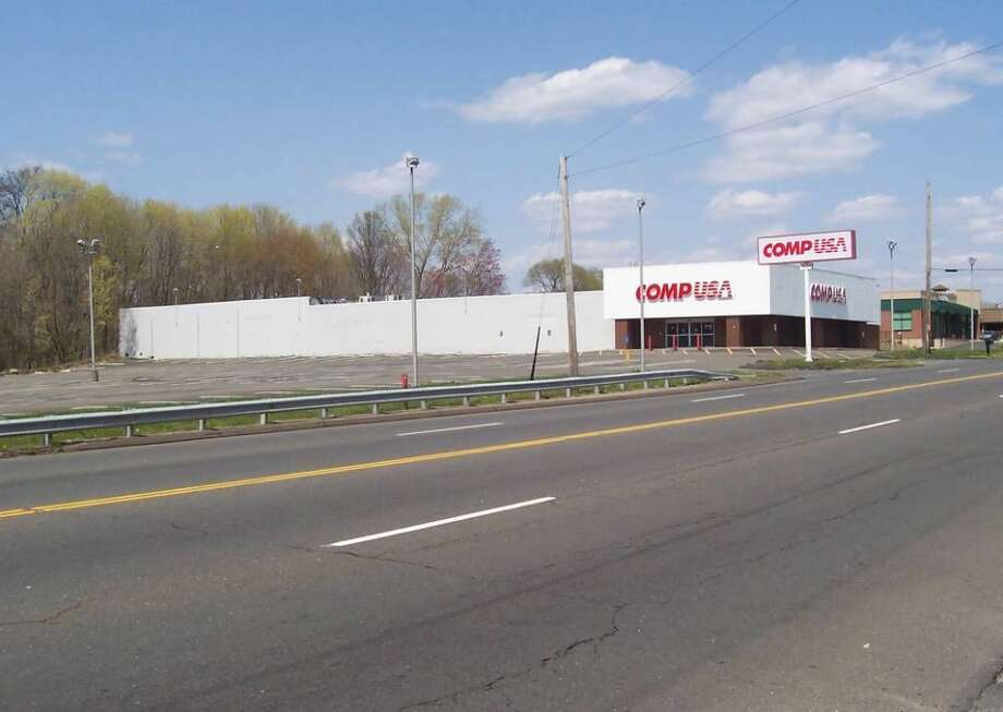 An Ocean State Job Lot store, specilizing in closeout, overstock and heavily discounted merchandise, will occupy the former CompUSA store on the Post Road in Orange.