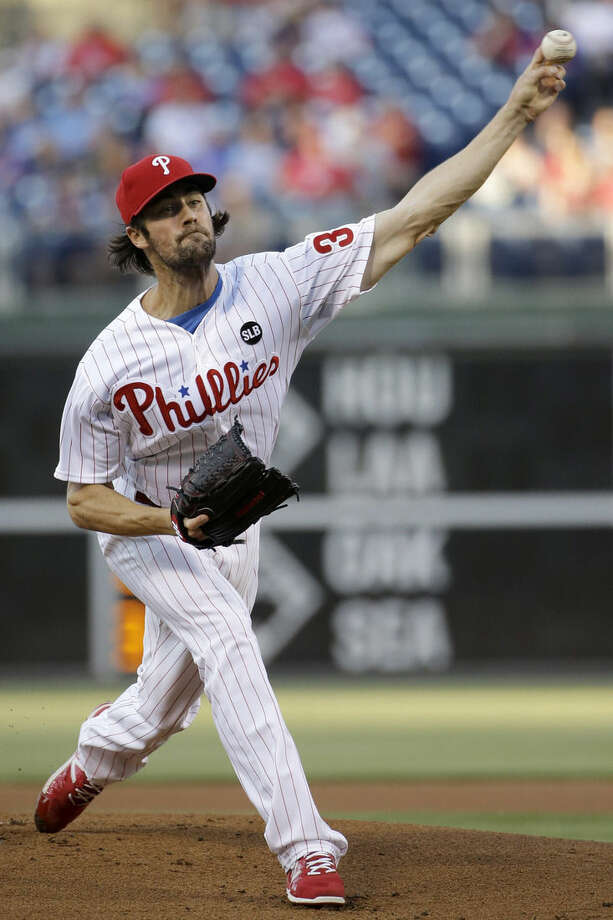 Philadelphia Phillies' Cole Hamels pitches during the first inning of a baseball game against the New York Mets, Friday, May 8, 2015, in Philadelphia. (AP Photo/Matt Slocum)