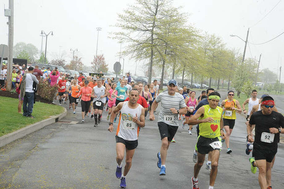 The Norwalk Mother's Day 10k race presented by the Lighfoot Running Club and the City of Norwalk Recreation and Parks Department on Sunday morning. Hour photo/Matthew Vinci