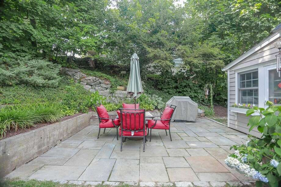 175 Wormwood Rd, Fairfield, CT 06824. 4 beds 2 baths 1,654 sqft. Trending features: Subway tile, Stone wall. Other features: Stone patio, located at the end of a cul-de-sac, refinished floors. View full listing on Zillow: http://bit.ly/1renW4v