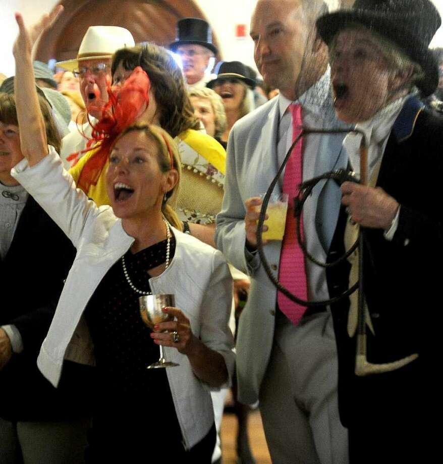 Kentucky Derby Party -Where:Pootatuck Yacht Club; Stratford (Photo:Lindsay Niegelberg)