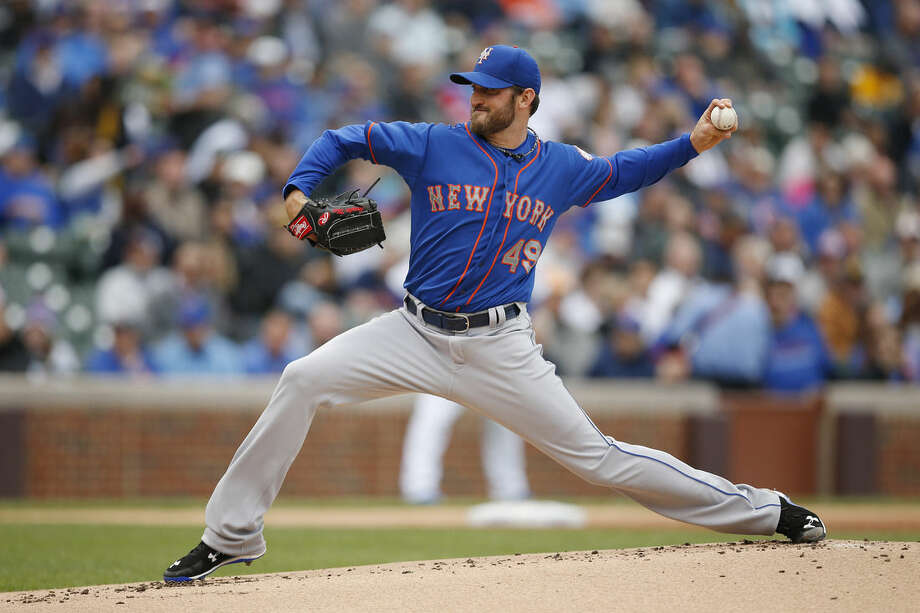 New York Mets starting pitcher Jonathon Niese (49) pitches against the Chicago Cubs during the first inning of a baseball game Thursday, May 14, 2015, in Chicago. (AP Photo/Andrew A. Nelles)