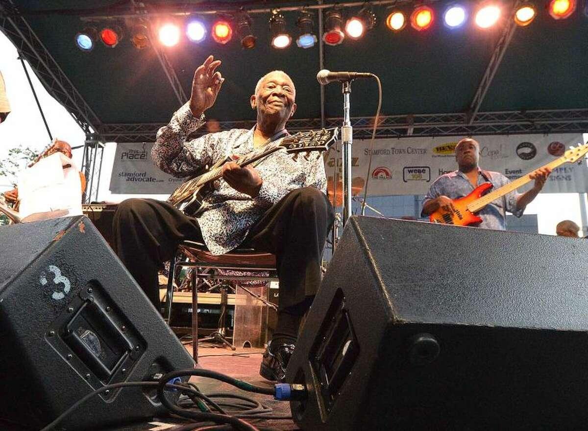 Hour Photo/Alex von Kleydorff BB King plays Stamford's Columbus Park for Jazz Up July in 2014