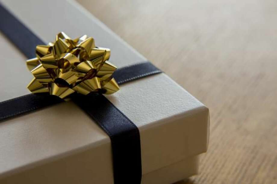 Dads and Grads Season: How to Pick the Right Gifts