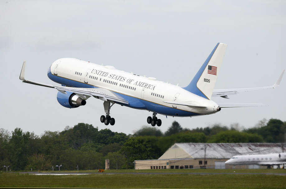 Air Force One carrying President Barack Obama departs Westchester County Airport in Harrison, N.Y., Wednesday, May 20, 2015 following the president's trip to New York and Connecticut after he delivered the commencement speech at the U.S. Coast Guard Academy in New London, CT. (AP Photo/Kathy Willens)