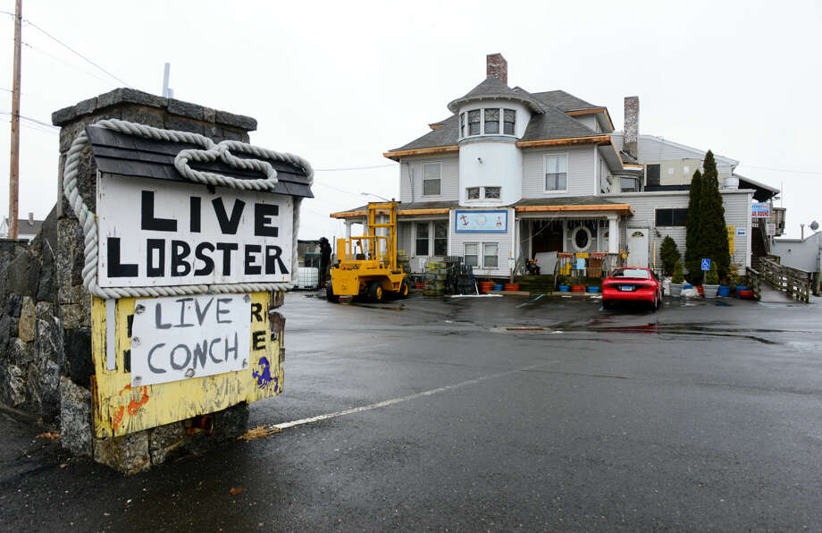 Wait Staff/Bartender -Dolphin's Cove Restaurant; Bridgeport (Job open as of May 16, 2016)
