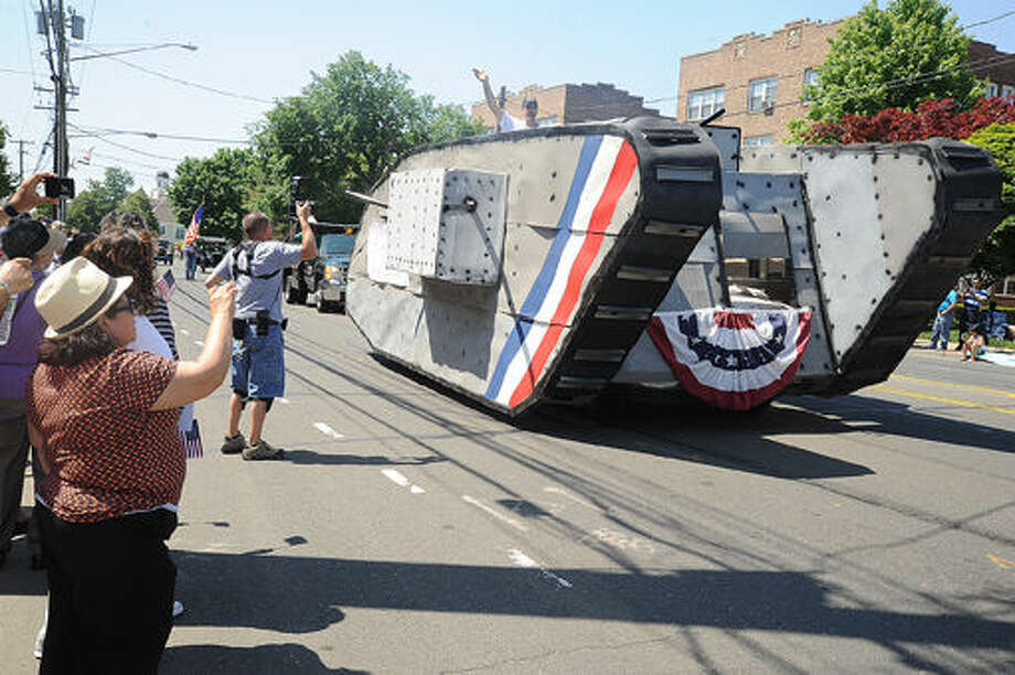 A World War I tank replica at the 2015 Memorial Day Parade in Norwalk. Hour photo/Matthew Vinci