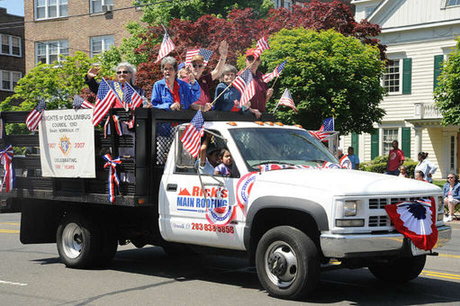 The 2015 Memorial Day Parade in Norwalk. Hour photo/Matthew Vinci