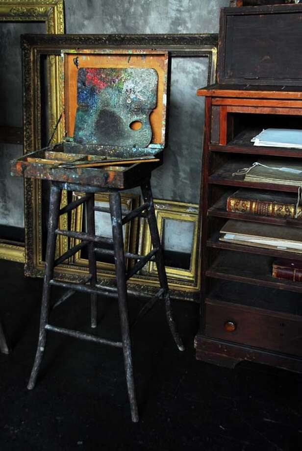 Weir Studio, paint box, palette and drawing cabinet. / © 2014 Xiomáro | Art Studio | New York