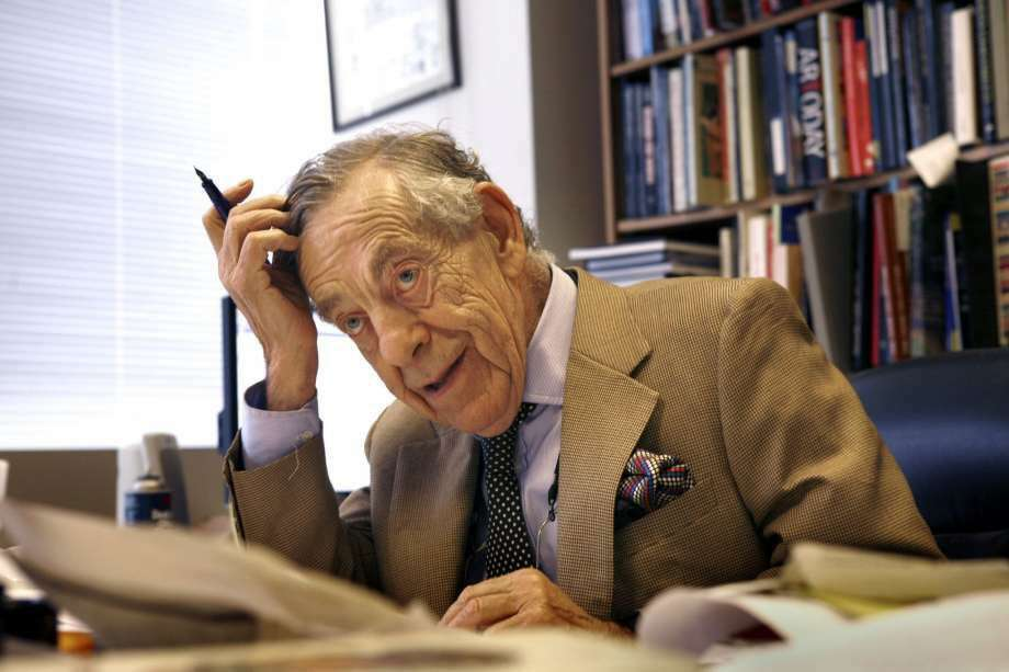 '60 Minutes' correspondent Morley Safer has died at age 84. (Photo: LA Times Via Getty Images)