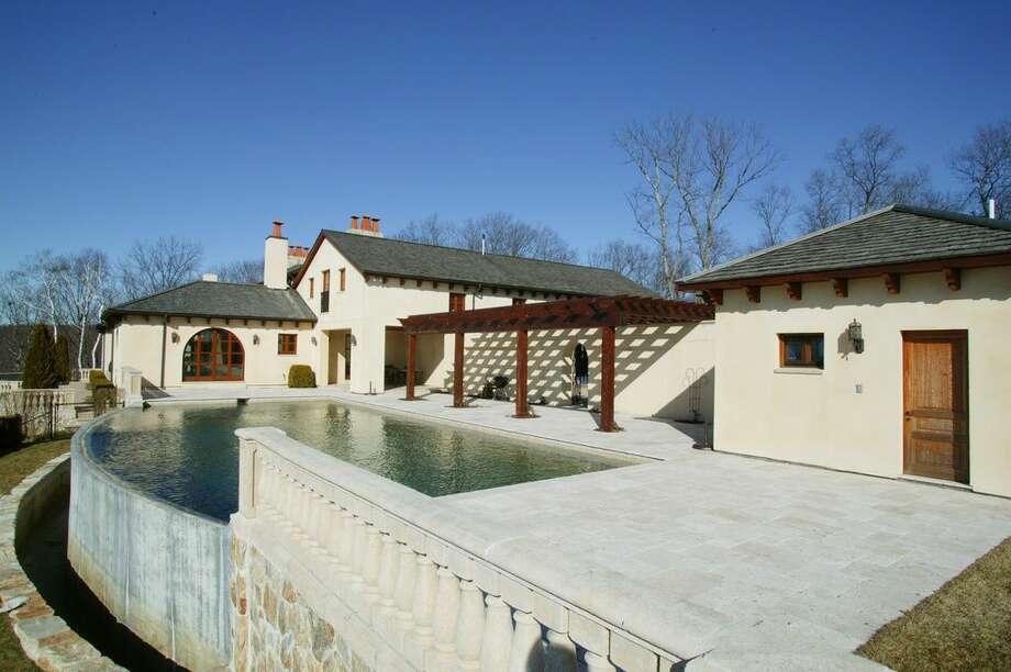 175 Carter Rd, Kent, CT 06757 -6 beds 7.5 baths 8,576 sqft.