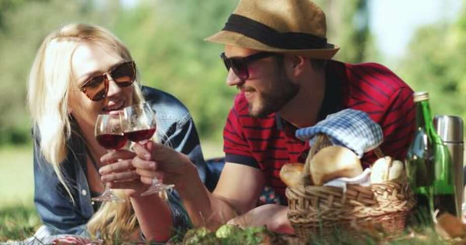 Two Summer Picnic Basket Ideas for Foodies