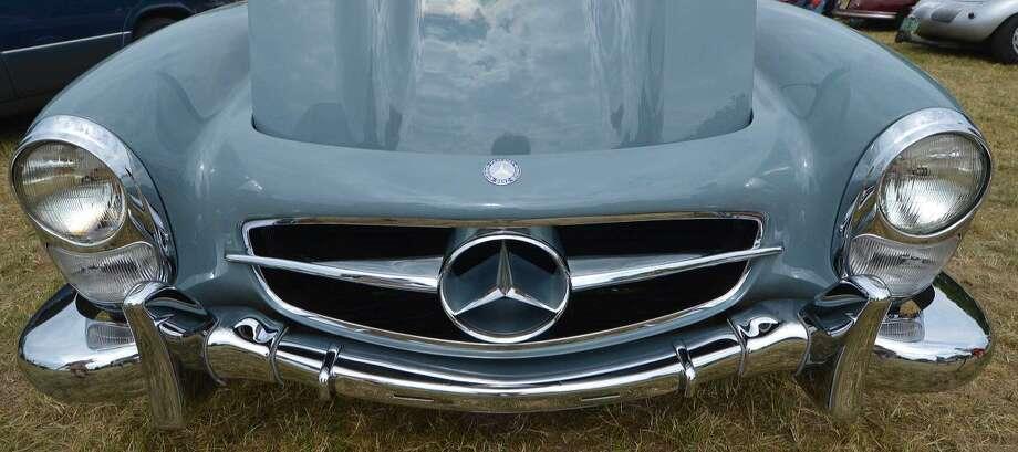 Hour Photo/Alex von Kleydorff. A restored 1960 Mercede Benz 300 SL at Sundays Greenwich Concours d' Elegance