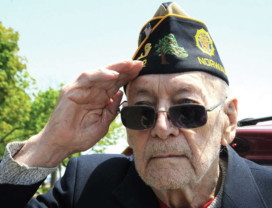 World War II Army veteran Roy Benedict at the Shea-Magrath Memorial Ceremony Sunday at Calf Pasture Beach. Hour photo/Matthew Vinci