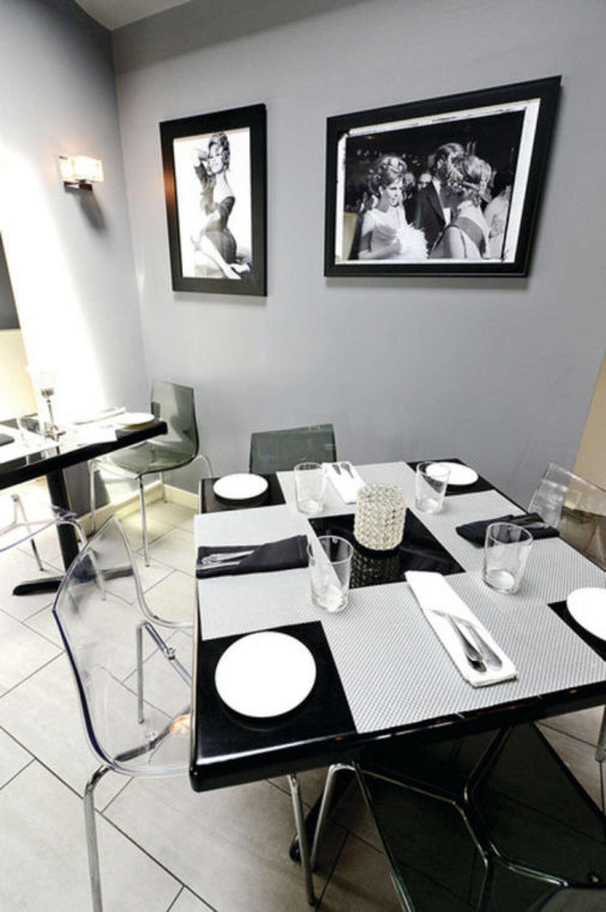 Hour photo / Erik Trautmann The new Capeesh? restaurant on High Ridge Road location.