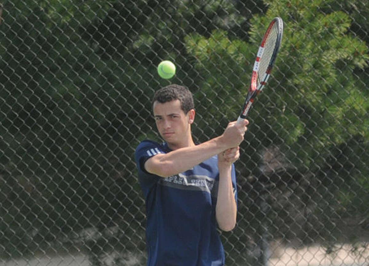 Zack Levin Staples boys tennis Monday at the Yale tennis courts/ Hour photo/Matthew Vinci