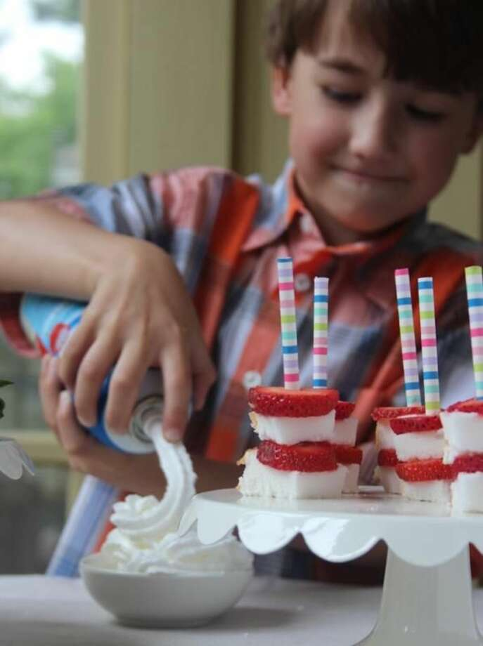 Tips to Throw Delicious Summer Birthday Parties for Kids