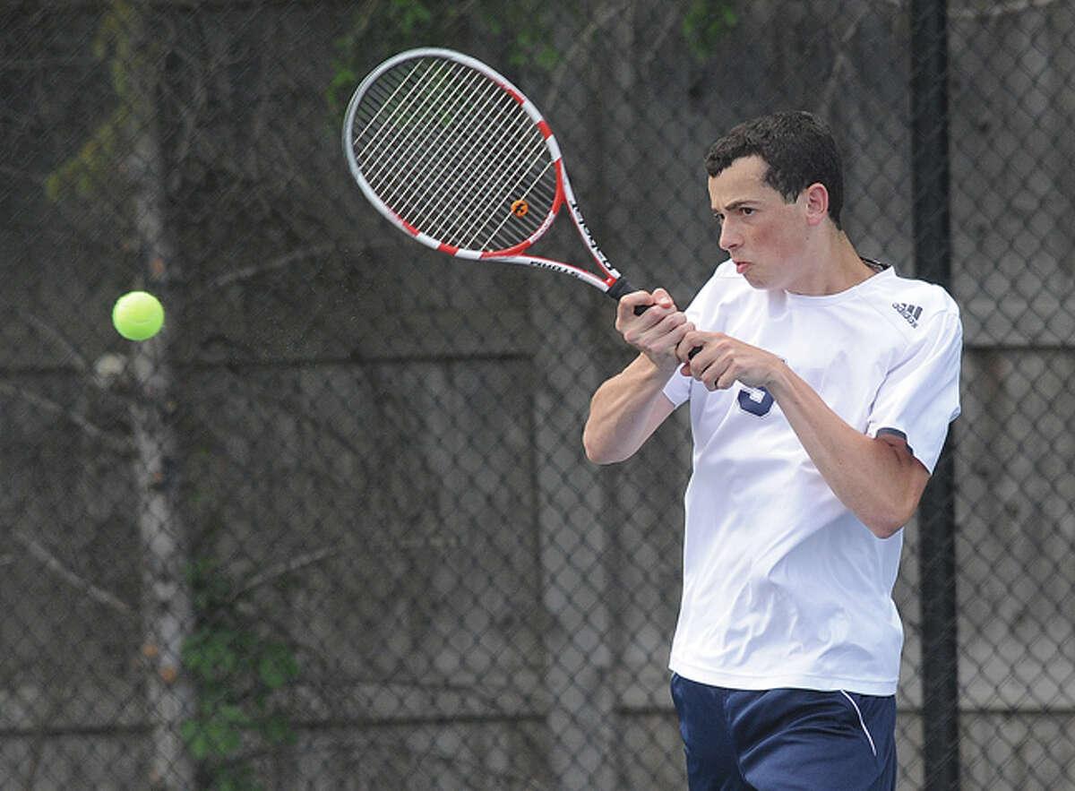 Zack Levin Staples boys tennis singles against Greenwich. Hour photo/Matthew Vinci