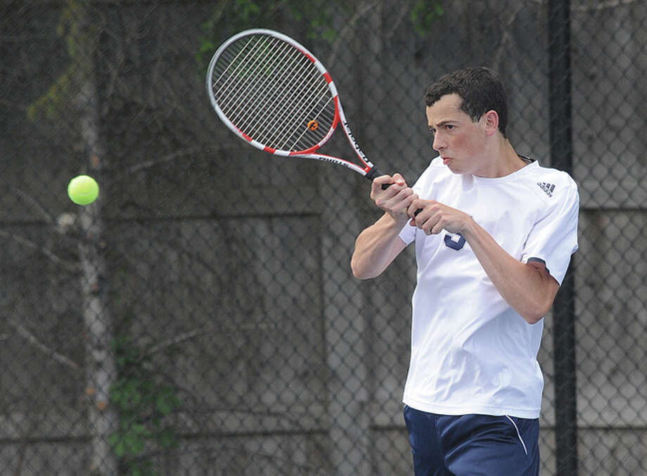 Zack Levin Staples boys tennis singles against Greenwich. Hour photo/Matthew Vinci