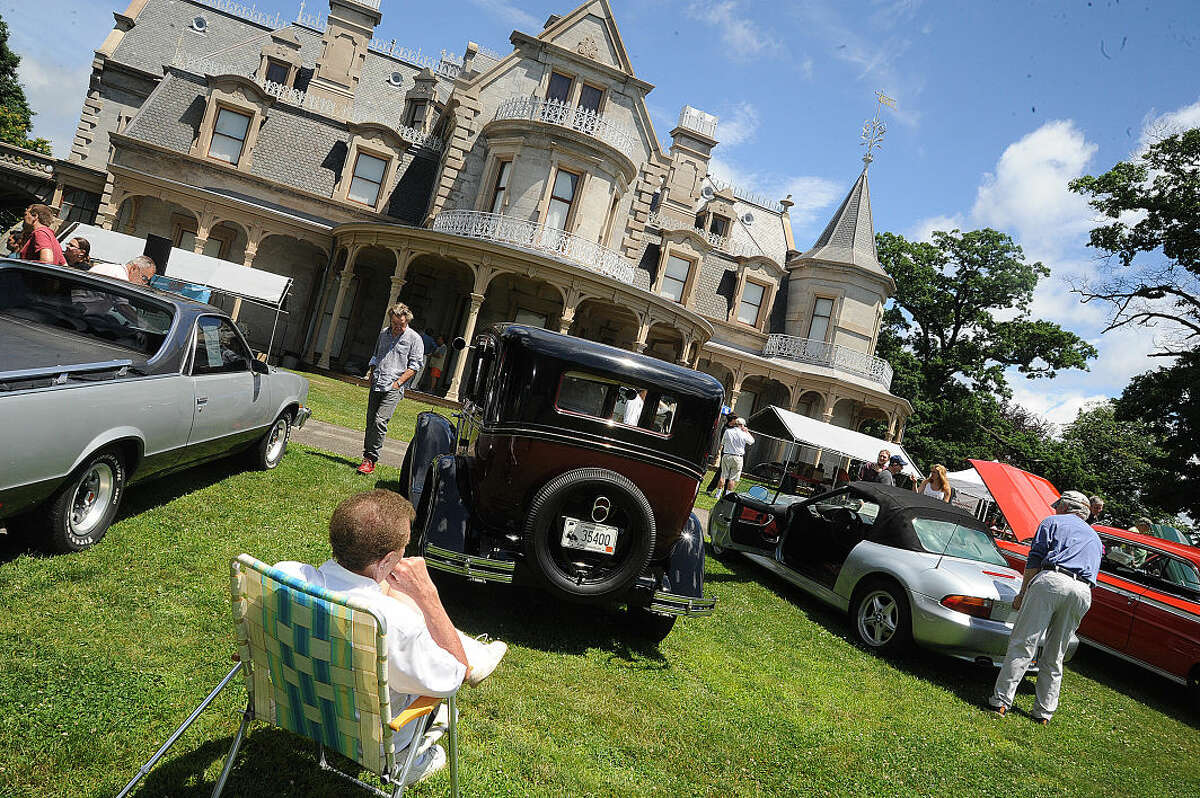 The New England Auto Museum's Father's Day car show Sunday at Mathews Park. Hour photo/Matthew Vinci