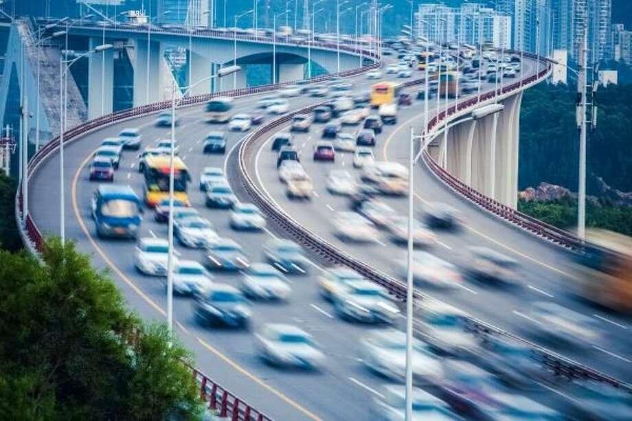 Aumentan las Muertes por Accidentes de Tráfico: Consejos para Mantener a su Familia Segura