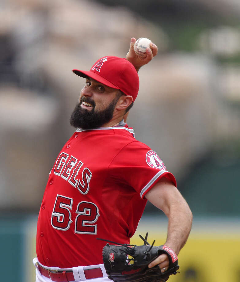 Los Angeles Angels starting pitcher Matt Shoemaker throws to the plate during the first inning of a baseball game against the New York Yankees, Wednesday, July 1, 2015, in Anaheim, Calif. (AP Photo/Mark J. Terrill)