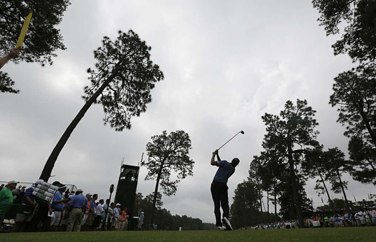 Matt Kuchar watches his tee shot on the eighth hole during the first round of the U.S. Open golf tournament in Pinehurst, N.C., Thursday, June 12, 2014. (AP Photo/Eric Gay)