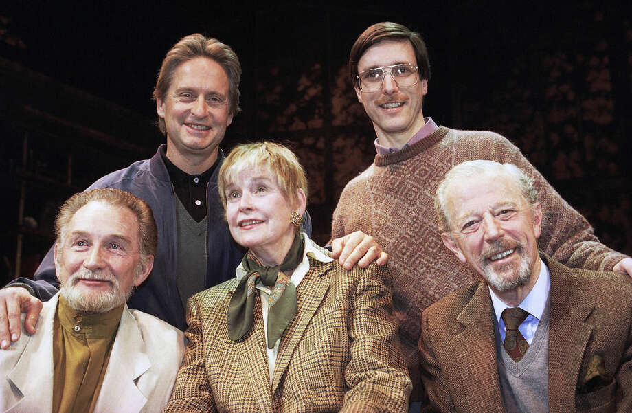 """FILE - In this Feb. 16, 1993 file photo, actor Michael Douglas, top left, taking a turn as producer, poses with the cast of """"The Best of Friends,"""" which includes his mother, Diana Douglas, center, before they go into rehearsal at the Westside Arts Theater in New York City. His mother is flanked by co-stars Roy Dotrice, left, and Michael Allinson right. Director of the off-Broadway effort, William Partian, is at top right. Diana Douglas, the first wife of Kirk Douglas and mother of Michael Douglas, has died in Los Angeles. She was 92. Michael Douglas's production company says she died of cancer on Saturday at a movie industry retirement home in Woodland Hills. (AP Photo/Chrystyna Czajkowsky, File)"""