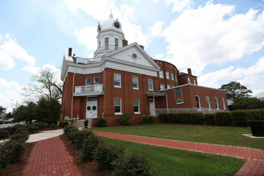 """AP Photo/Sharon SteinmannThis April 8, photo shows the old Monroe County Courthouse in Monroeville, Ala. The building, completed in 1903, is a centerpiece in the hometown of """"To Kill a Mockingbird"""" author Harper Lee, whose second book """"Go Set a Watchman"""" is set for release July 14."""