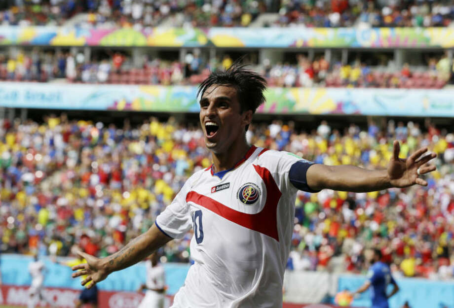 Costa Rica advances with 1-0 win over Italy