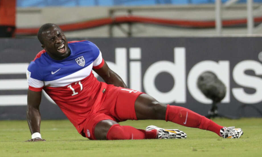 Jozy Altidore to have injured hamstring examined