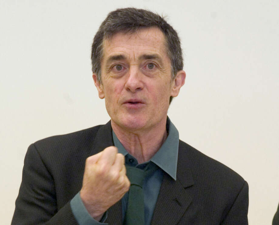 """FILE - In this May 24, 2006, file photo, Roger Rees, artistic director of the Williamstown Theatre Festival in Williamstown, Mass., introduces the 2006 season during a news conference in New York. Rees, the Tony Award-winning Welsh-born actor and director who appeared on TV's """"The West Wing"""" and was a mainstay on Broadway playing Gomez in """"The Addams Family"""" and Chita Rivera's doomed lover in """"The Visit,"""" died Friday night, July 10, 2015, his representative Rick Miramontez said. He was 71. (AP Photo/Jim Cooper, File)"""