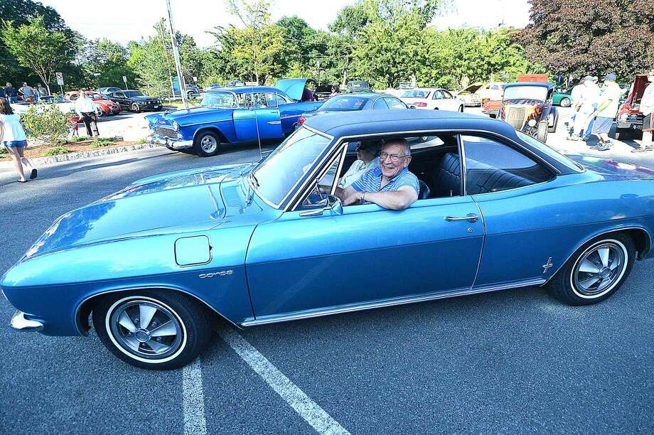 Hour Photo/Alex von Kleydorff Ross and Paula Hand cruise in with his 1966 Corvair Corsa atThe 15th annual Wilton Kiwanis, Geeb Fleming/Nick Allegretta Memorial Cruise Night