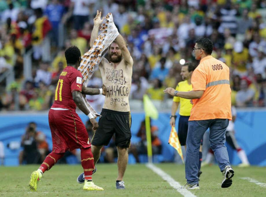 FIFA probes blackface fan photos from Ghana match