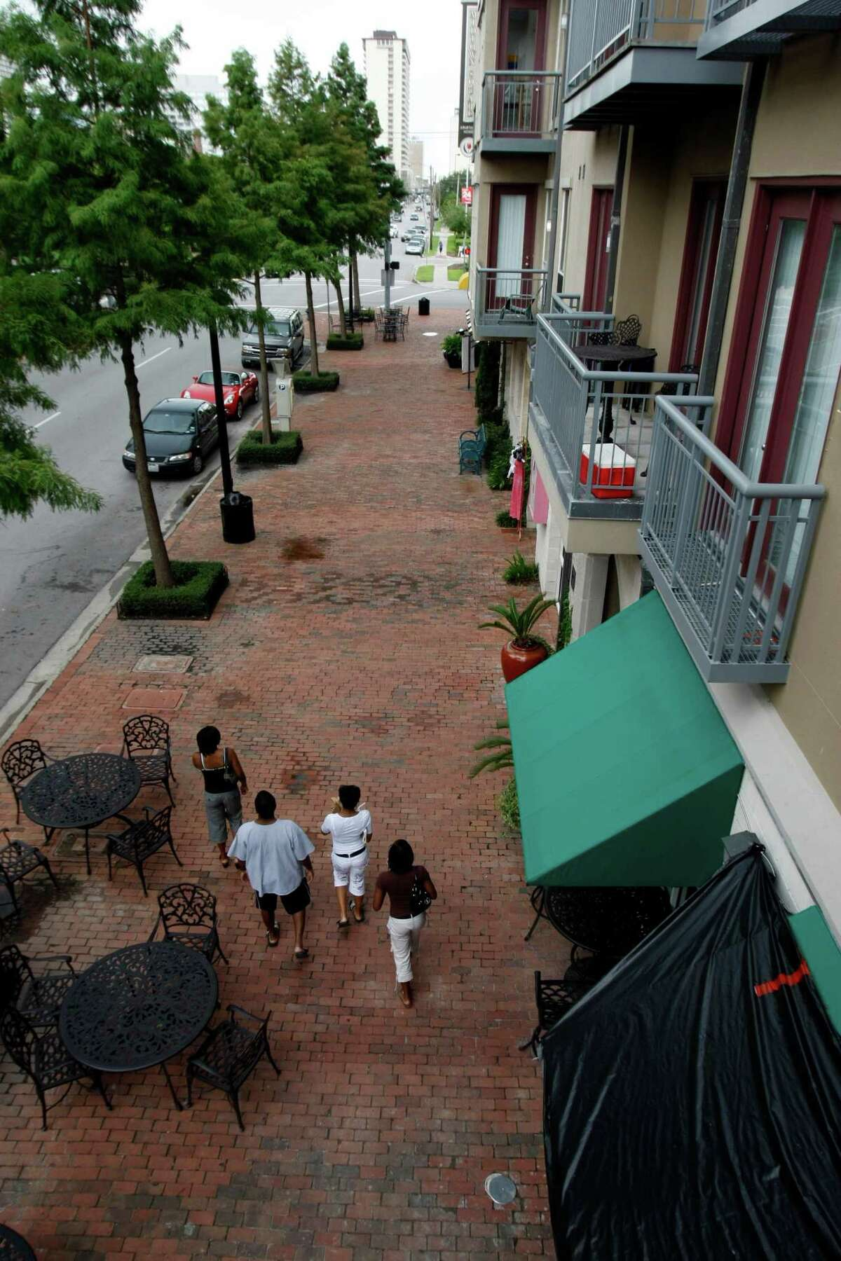 Houston has guidelines and regulations for development to promote walkable, transit-oriented development, as in Midtown.