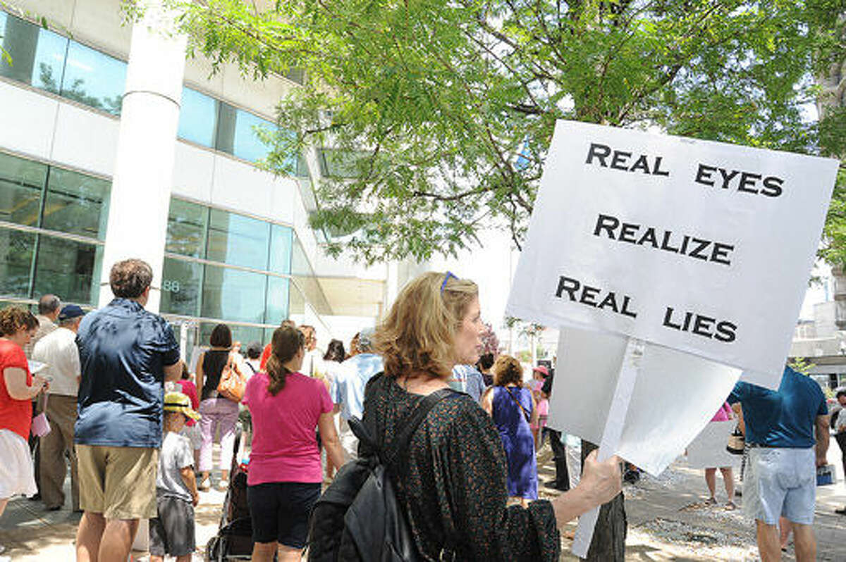 The rally to defund Planned Parenthood held at the Government Center in Stamford on Tuesday. Photo/Matthew Vinci