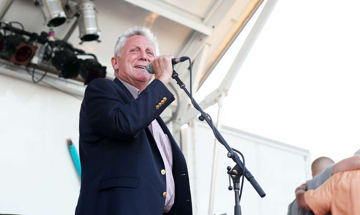 Mayor Rilling welcomes guests before Norwalk's annual firework display at Shady Beach Saturday evening. Hour Photo / Danielle Calloway