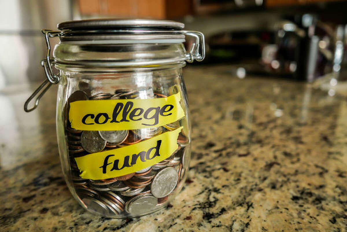 Fact vs. Fiction: 7 Truths about College Course Materials