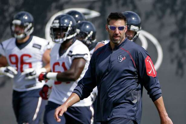 Texans linebackers coach Mike Vrabel turned down an offer from Chip Kelly in the offseason to become the San Francisco 49ers defensive coordinator.