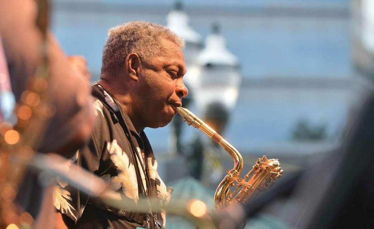 Hour Photo/Alex von Kleydorff BB King plays Stamford's Columbus Park for Jazz Up July