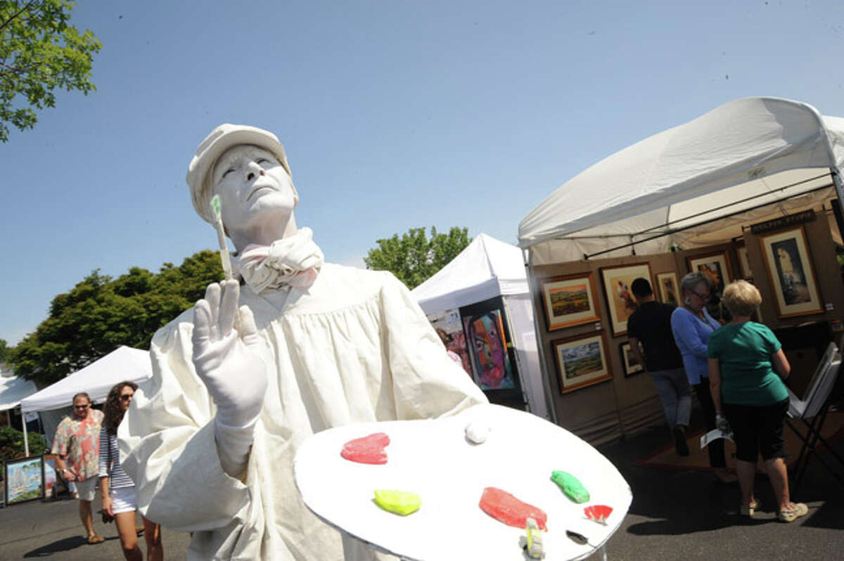 A mime on display Sunday at the Westport Arts Festival. Hour photo/Matthew Vinci