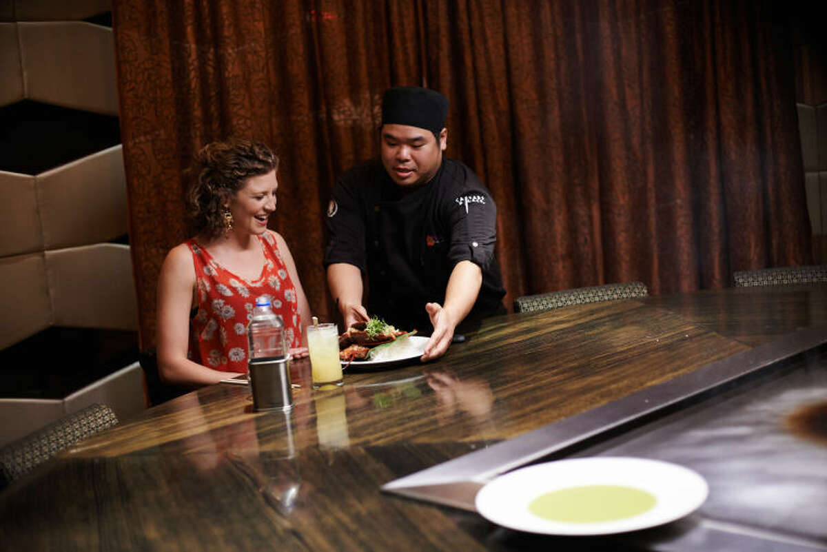 """Finalist Emma Frisch at Nobu during the Mentor Challenge """"One-Of-A-Kind Las Vegas Culinary Experience"""" as seen on Food Network Star, Season 10."""