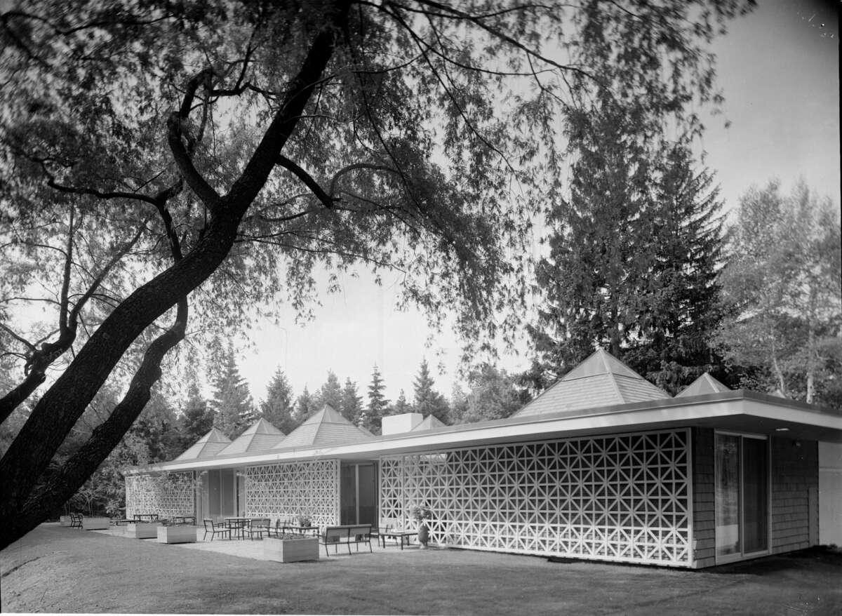 Celanese Corporation House, Edward Durell Stone architect, New Canaan, CT, 1959