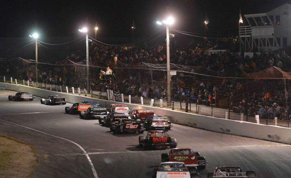 Hour Photo/Alex von Kleydorff. Charle Mitchell Memorial race at Waterford Speed Bowl