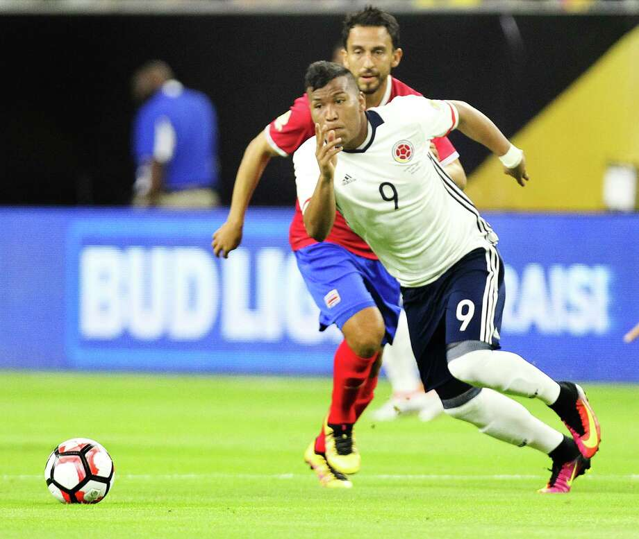 Colombia #9 Roger Martinez Prepares pushes the ball up field the 1st Half of action against Costa Rica the COPA match at NRG Saturday, June 11, 2016, in Houston. Photo: Steve Gonzales, Houston Chronicle / © 2016 Houston Chronicle