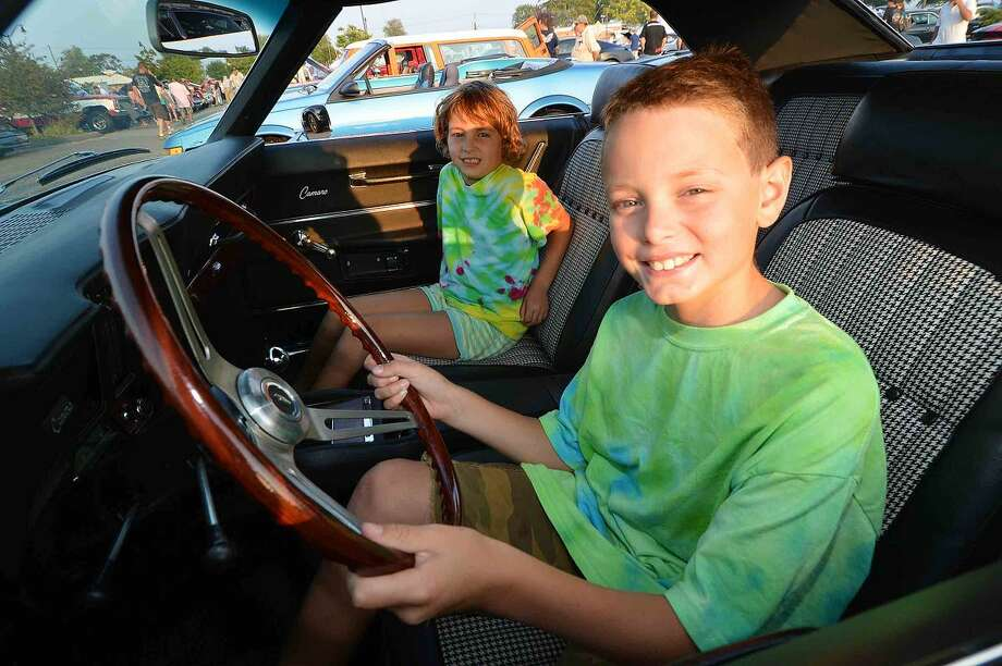 Car Show And Concert Close Out The Series At Calf Pasture Beach - Thomas chevy car show
